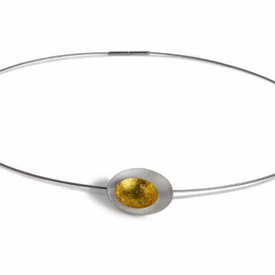 wunderbar leuchtender, runder Anhänger aus Silber und Blattgold bestehend aus zwei ineinandersitzenden Schälchen
